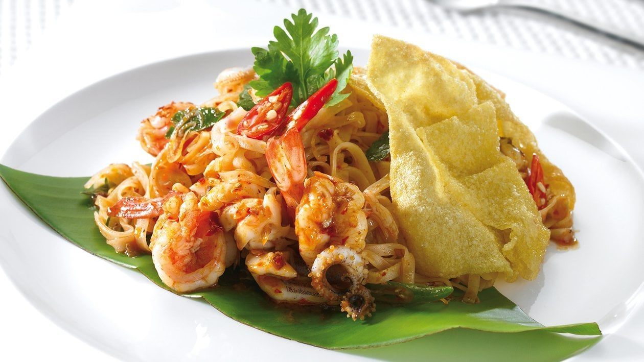 Angry Poseidon: Tom Yum with Thin Rice Noodles